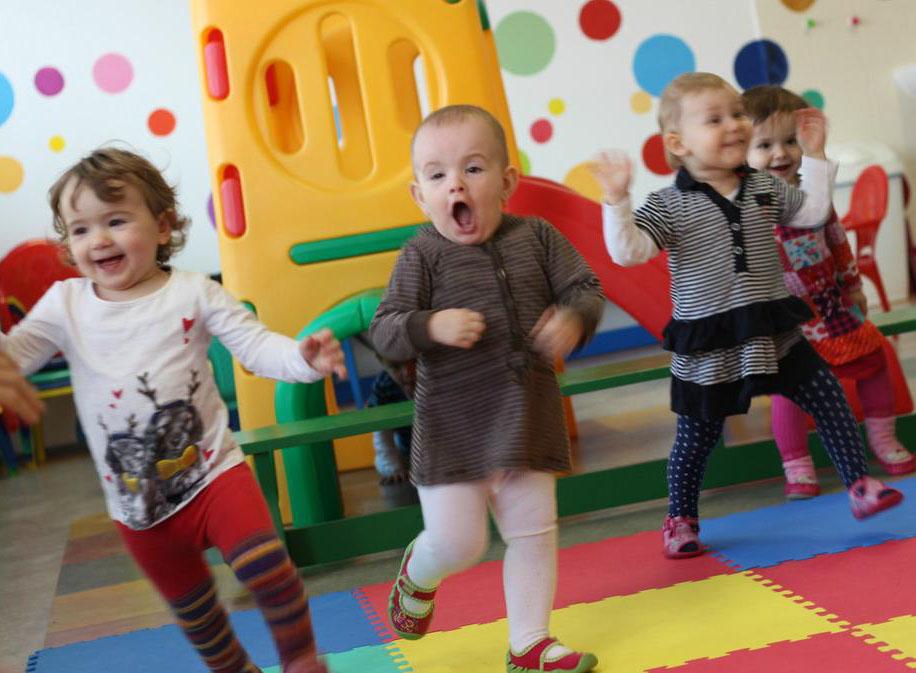 Lenka Kunová - Cvičení rodičů s dětmi
